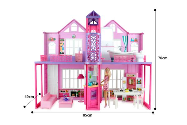 תמונה של בית בובות ענק